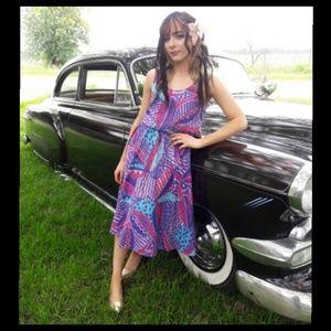 Beautiful Vtg 80's purple Hawaiian style dress!